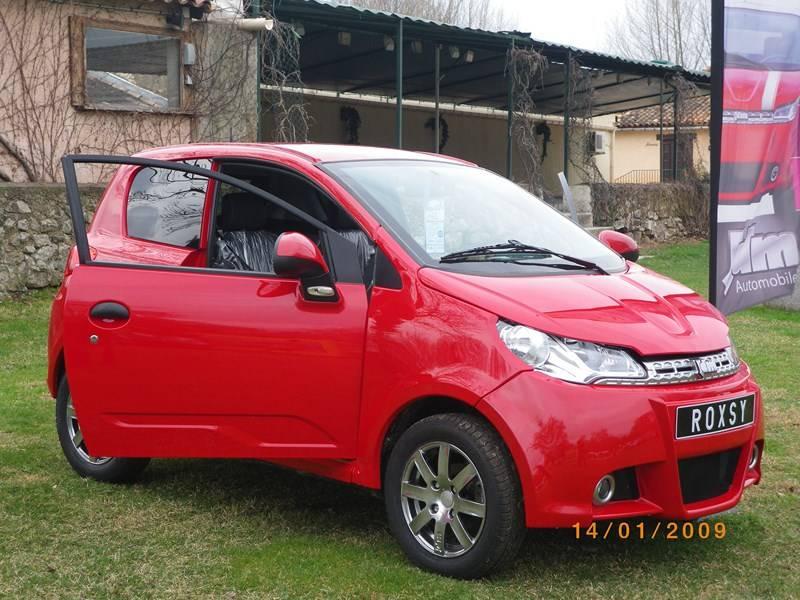 voiture sans permis neuve 2013 jdm roxsy elite rouge a aix en provence garage proven al. Black Bedroom Furniture Sets. Home Design Ideas