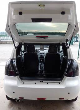 voiture sans permis neuve jade generous blanche et noire aix en provence garage proven al. Black Bedroom Furniture Sets. Home Design Ideas